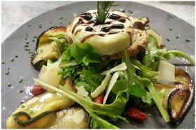 Cuisine avec des produits frais au restaurant italien bella storia cannes